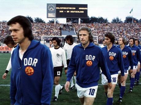 Jürgen Sparwasser et Hansi Kreische contre la RFA à la Coupe du Monde FIFA 1974