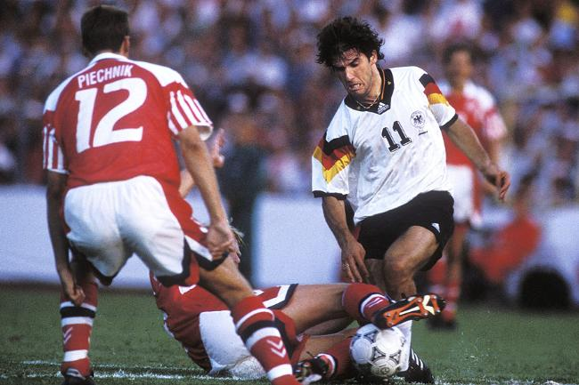 En inscrivant 3 buts lors de l'Euro 92 il fut pour beaucoup dans le parcours de la première phase finale disputée par l'Allemagne réunifiée de l'après-guerre