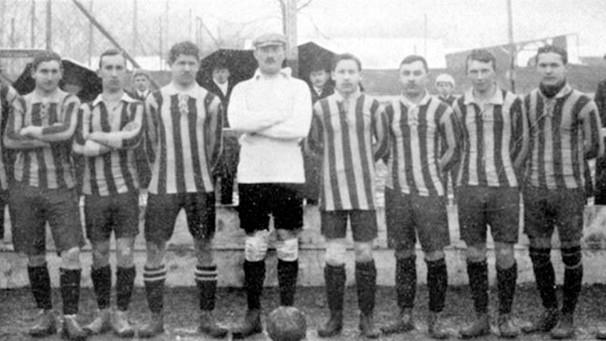 Le FC Bayern en 1910 (Max Gablonsky se trouve à l'extrême gauche).