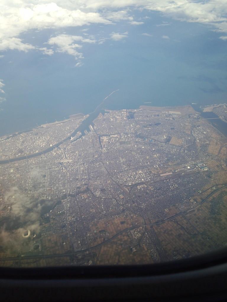 たぶん新潟、ここから機首を東に向ける