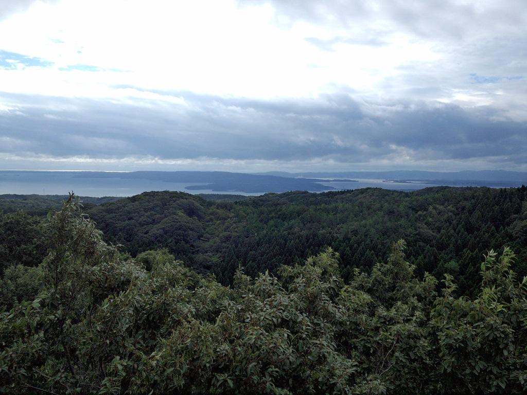 別所岳SAの展望台。風が気持ち良い。