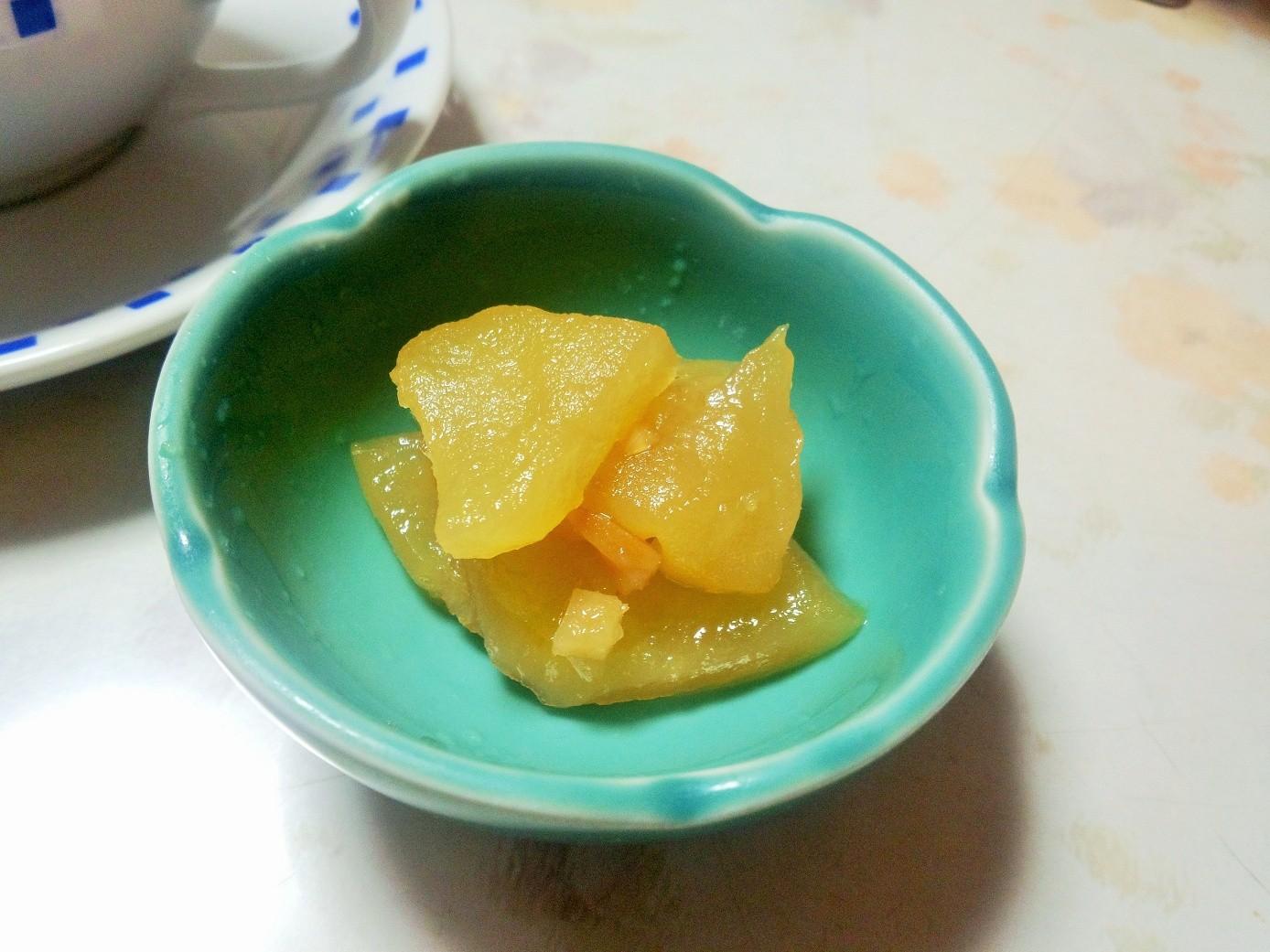 ティーフードにリンゴジャム。