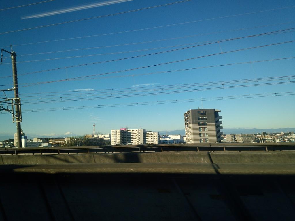 8時、大宮あたり、快晴、富士山見える。