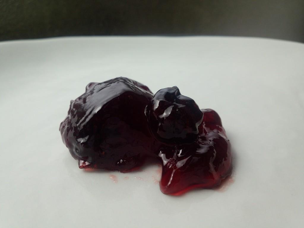 遠野の奥寺さんの完熟ブルーベリーでつくった無加糖のジャム。