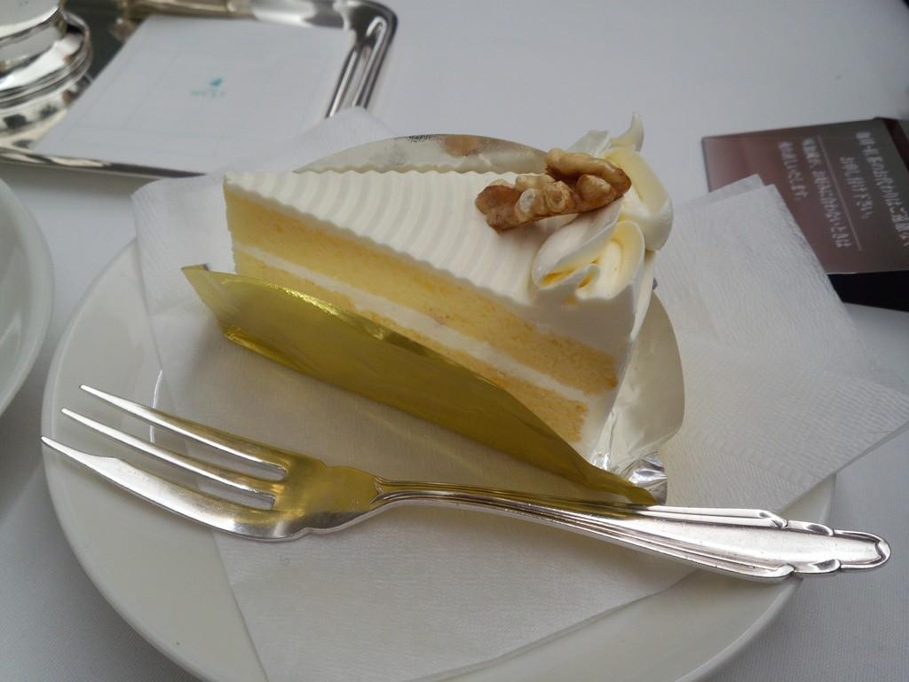 銀座ウェストでバータークリームケーキ