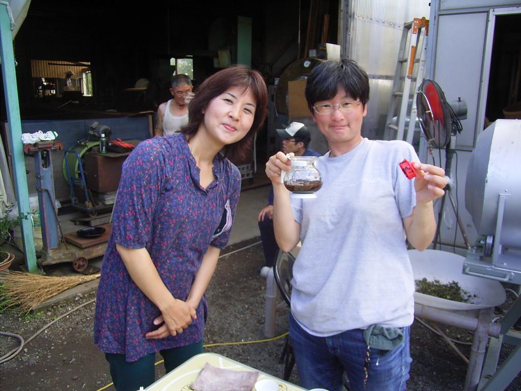 facebook仲間の鈴木さん(右)と彼女の友人。