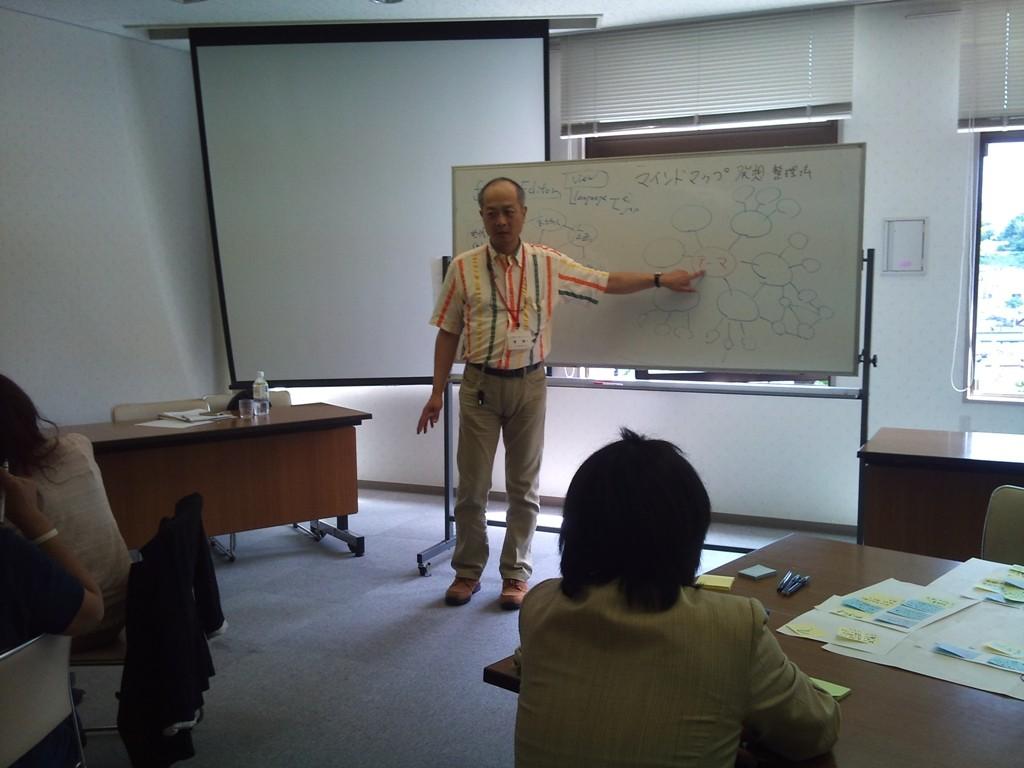 濱講師(株式会社アスリック社長、いしかわ地域づくり協会専任コーディネーター)の講義