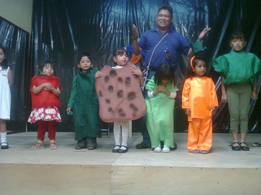 """Presentación """"Las niña que no quería comer sus Verduras"""" en el foro CIMA"""