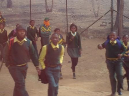...doch viele Schüler treten den Heimweg auch per Pedes an.