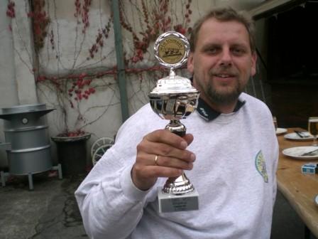 Es gab Preise für alle Mitspieler, den größten Pokal bekam der Sieger: Torsten Bartels