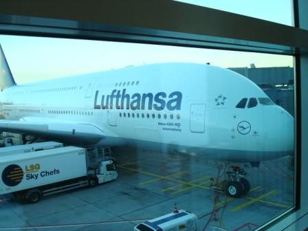 Zunächst etwas mehr als 10 Stunden im Airbus der Lufthansa...