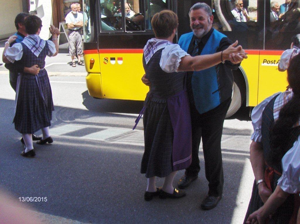 "Apéro mit dem Chor ""A tout Coeur"" aus Ependes"