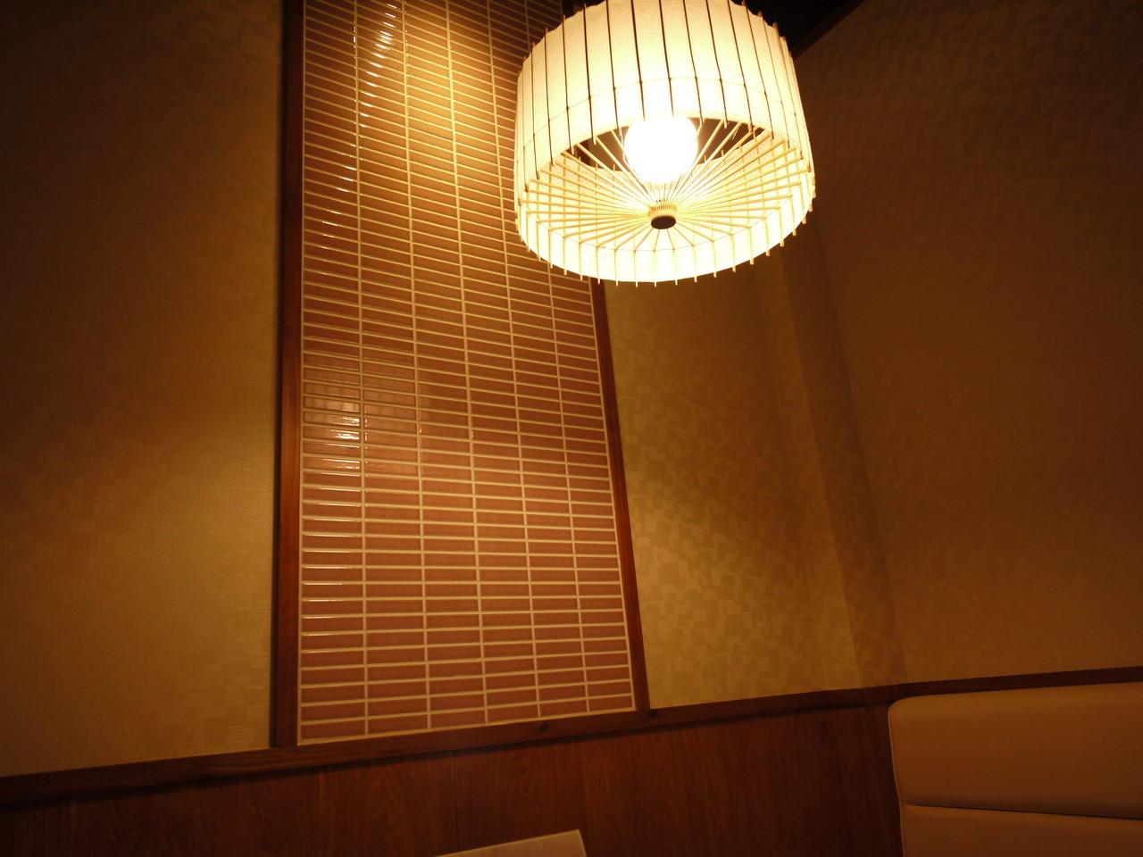 ■ パステルカラーが柔らかい雰囲気-テーブル4人席