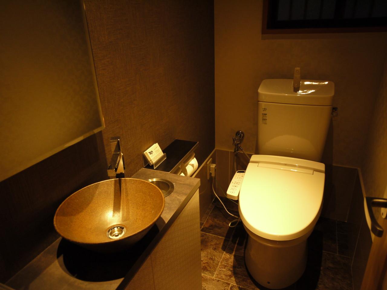 ■ シンプルな男性トイレ