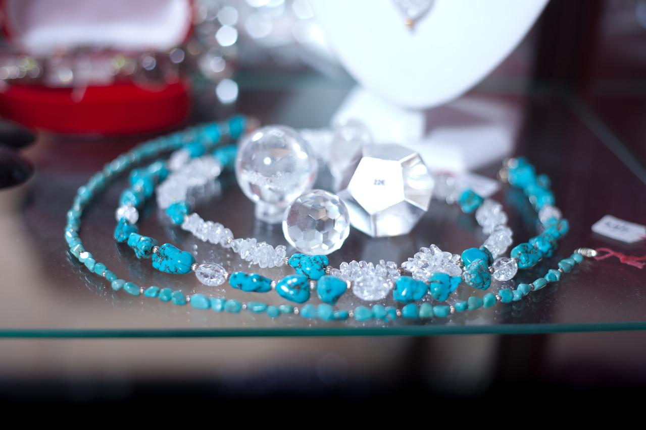 Univers en turquoise véritable & cristal de roche
