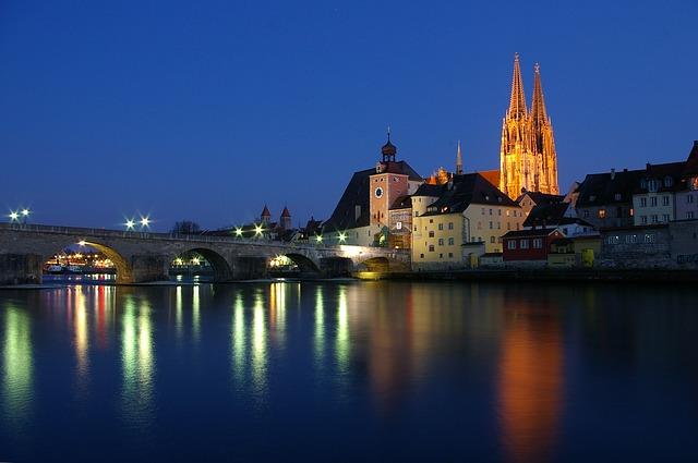 Aufgenommen in der Blauen Stunde fotografiert von Das Fotoatelier Regensburg - Fotograf Regensburg