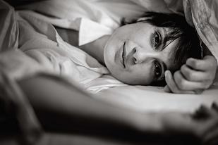 Sensual Portrait Shooting als Homeshooting fotografiert von Das Fotoatelier Regensburg - Fotograf Regensburg