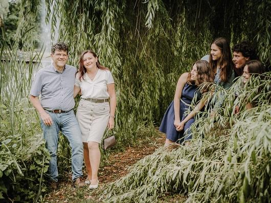 Spaß beim Familienshooting fotografiert von Das Fotoatelier Regensburg - Fotograf Regensburg