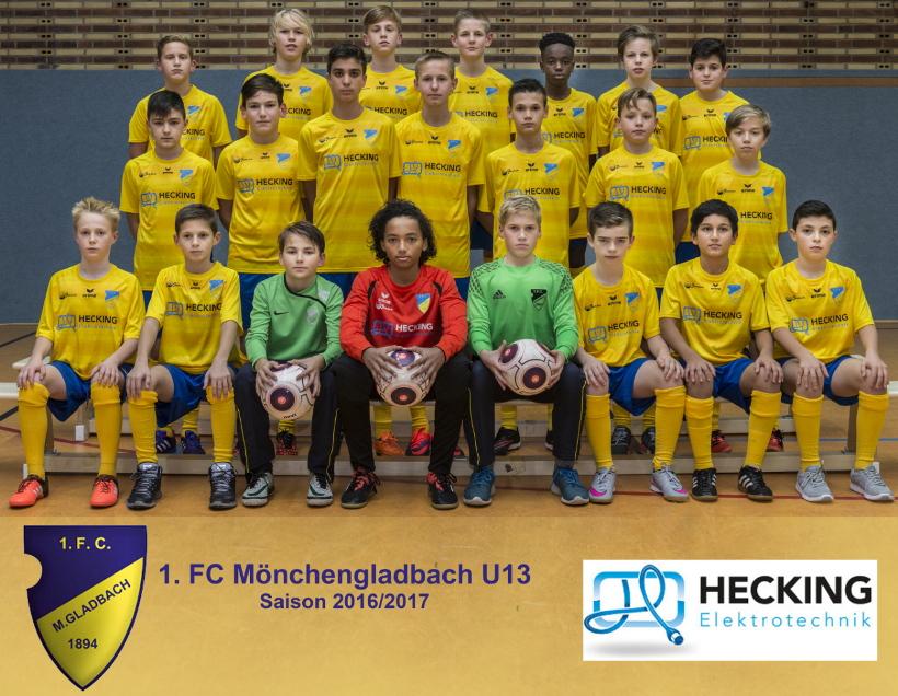 Der 2004er-Jahrgang des 1. FC Mönchengladbach in den neuen Trikots mit dem Logo von Hecking Elektrotechnik