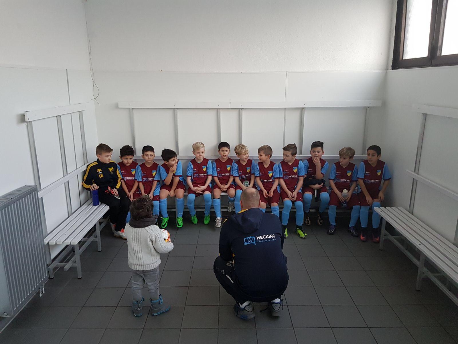 Teambesprechung mit dem neuen Co-Trainer ;)