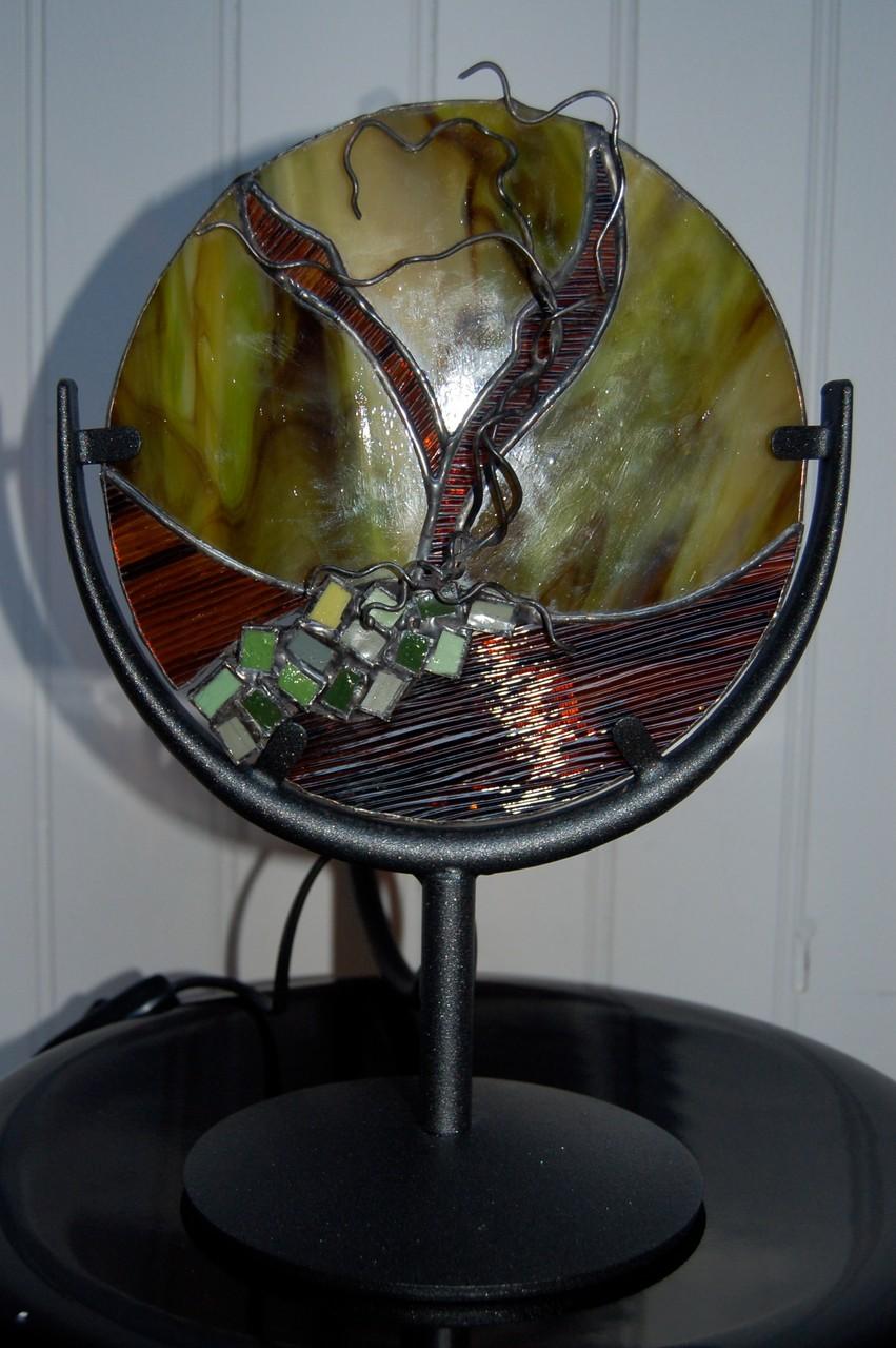 Vitrail en Tiffany sur pied métal avec éclairage Eteinte
