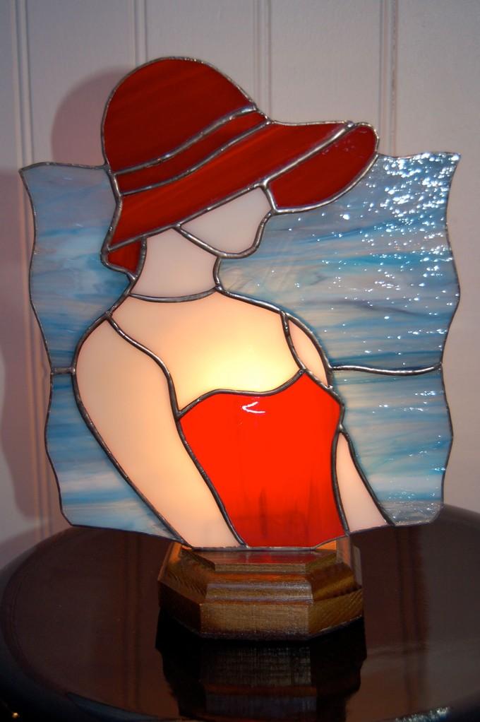 Lampe réalisée en Tiffany Allumée