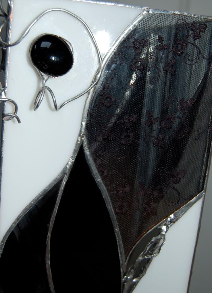 Lampe réalisée en Tiffany avec inclusion de dentelle (détail)