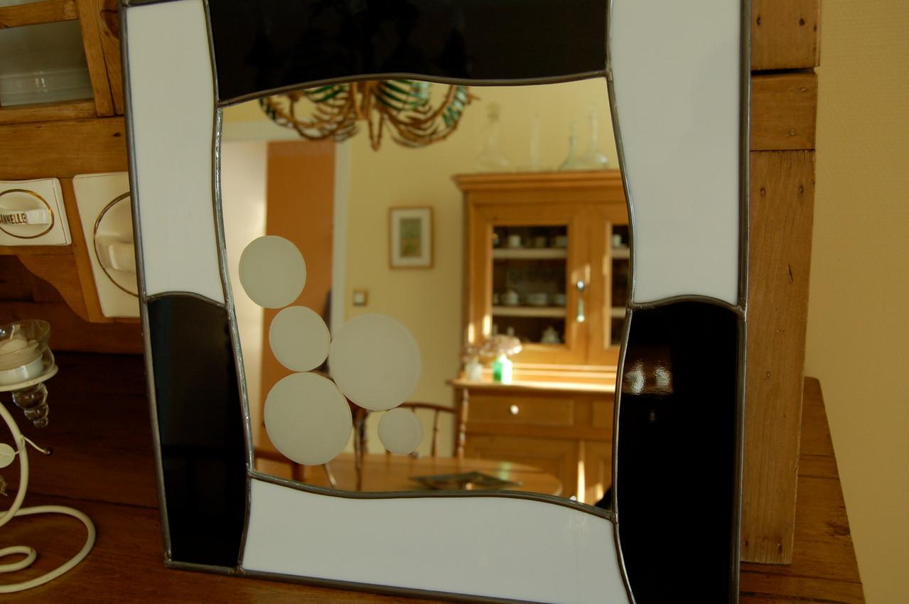 Miroir réalisé en vitrail avec sablage