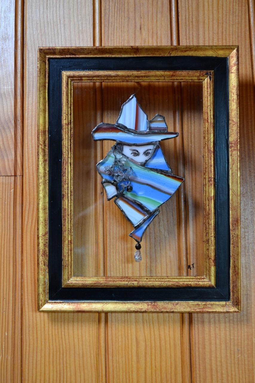 Cadre masque Venise Tiffany sur vitre (contre mur bois)