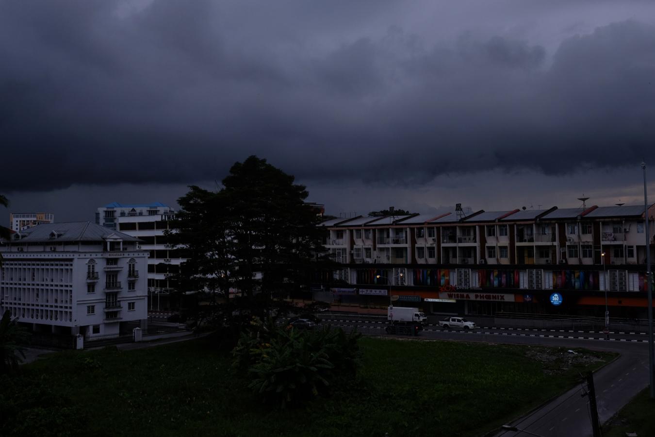 der Blick aus unserem Hostel, es wird ungemütlich…