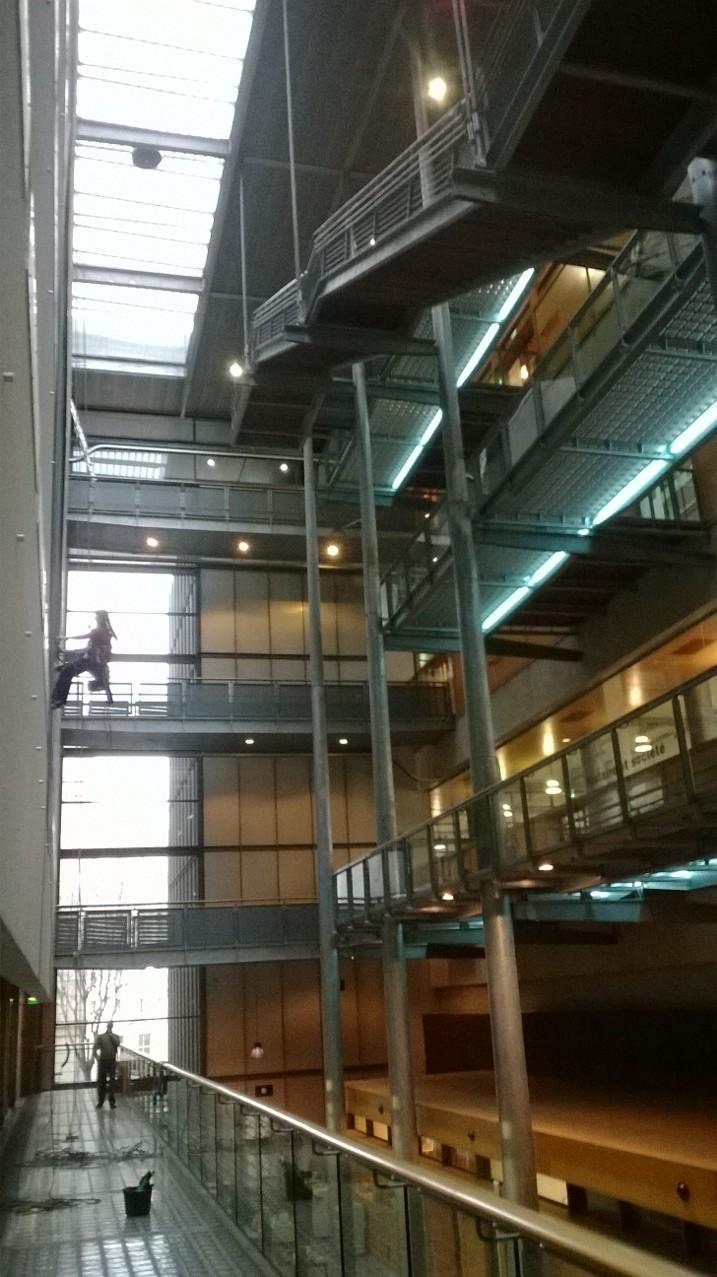 nettoyage de vitre acrobatique Hérault accès sur cordes