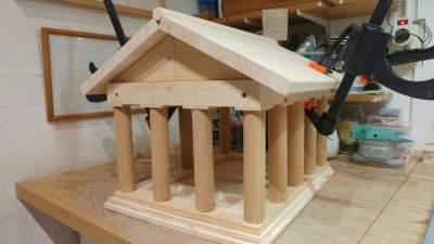 Vogelvoederhuis Acropolis kleine vogels vogelhuisje houten Grieks