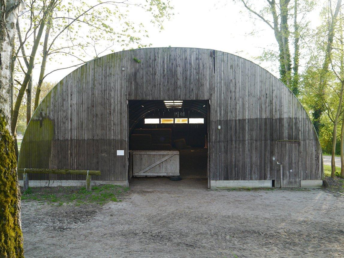 Die alte Rundbogenhalle ...