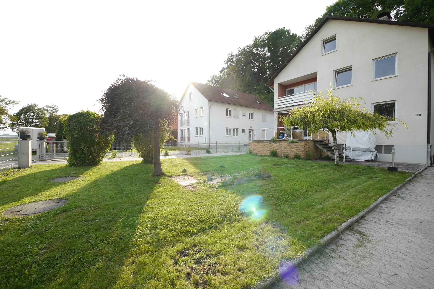Zweifamilienhaus mit großem Grundstück in 85354 Freising