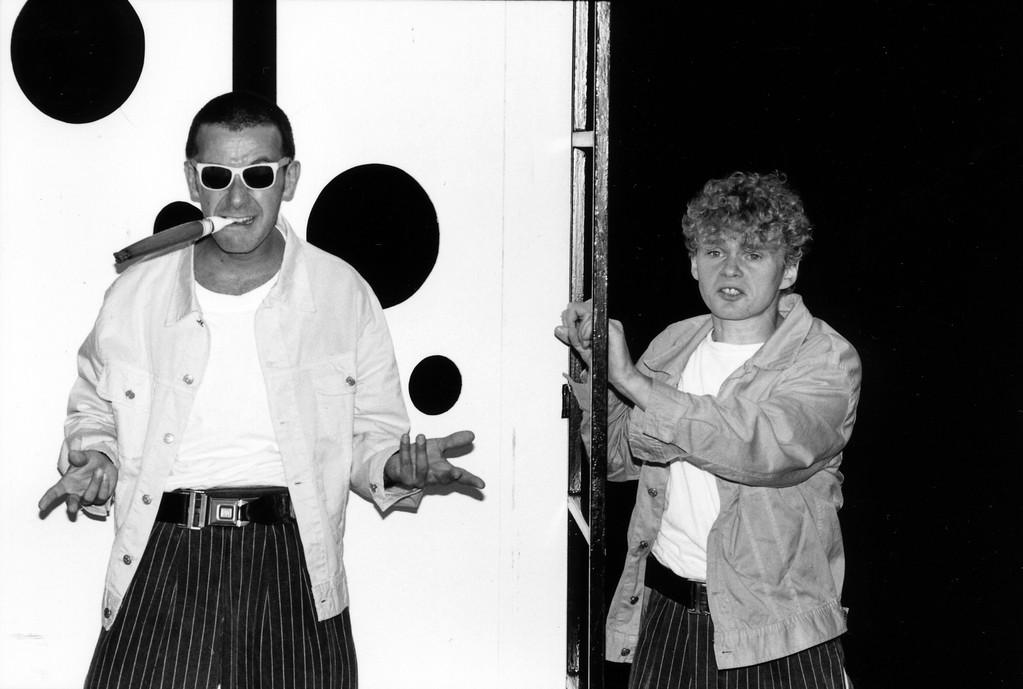 """Francesco Ceccherini et Philippe Derlet dans """"Oui ou Non"""", mis en scène par Ariane Buhbinder, texte de Marie-France Hébert (Photo de Christian Girard)."""