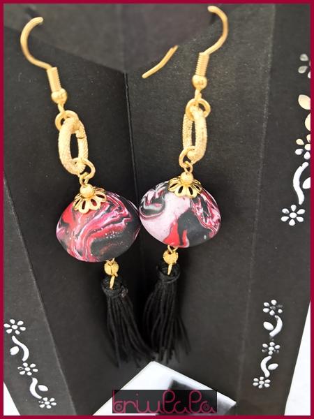 """""""Mayumi"""" orecchini con nappine, perlina realizzata a mano con pasta modellante"""