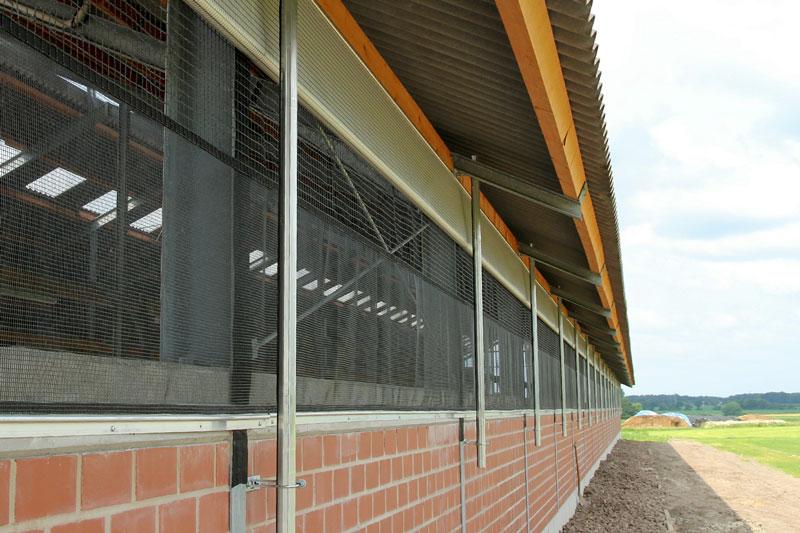 Curtains im Rinderstall |Menken & Drees