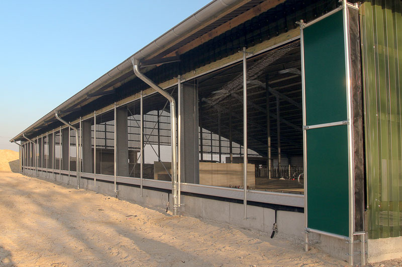 Steuerbare Curtains im Rinderstall