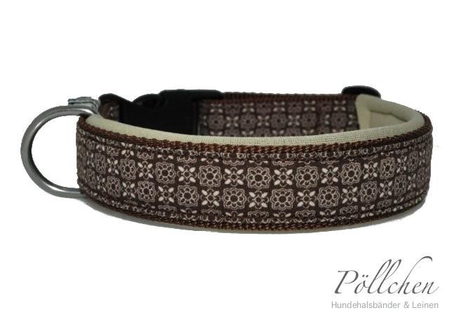 Maßangefertigtes Halsband in braun mit Neopren für extra Komfort