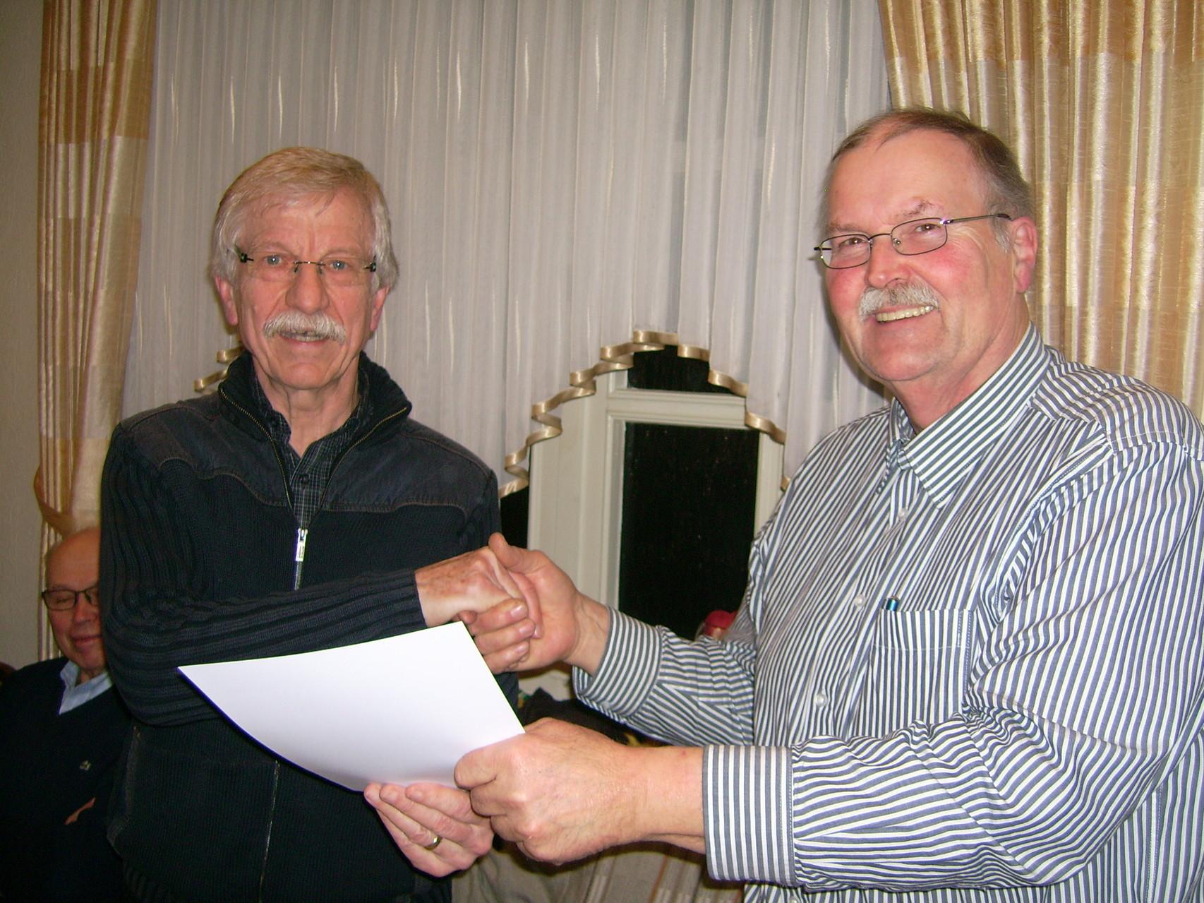 Henning Schacht wurde für langjährige Mitgliedschaft geehrt.