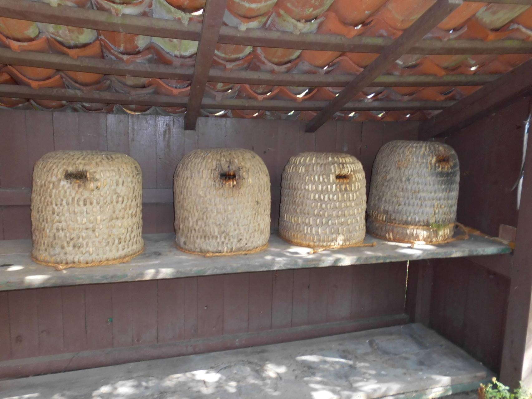 Lüneburger Stülper mit Bienen