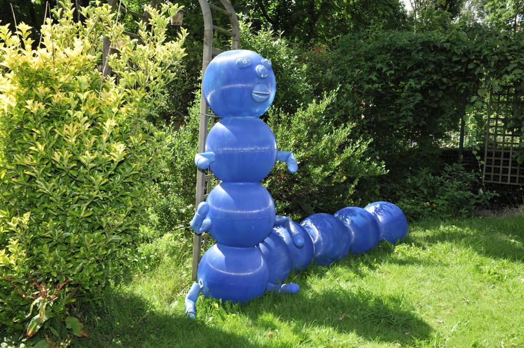La chenille bleue par Richard Soberka