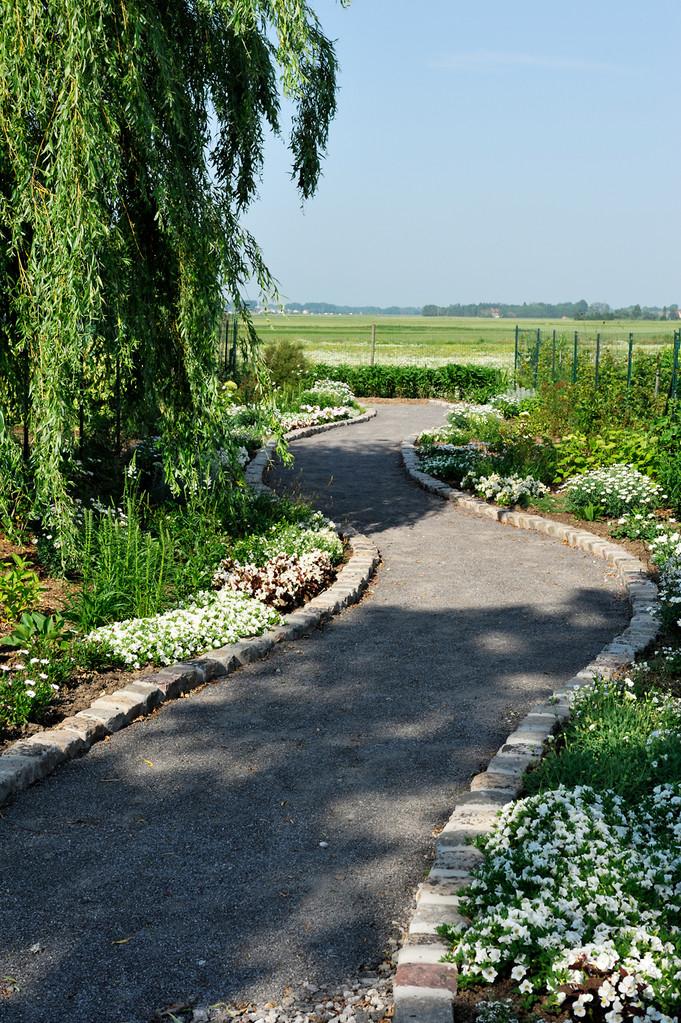 le jardin blanc de l'allée du sel par Richard Soberka