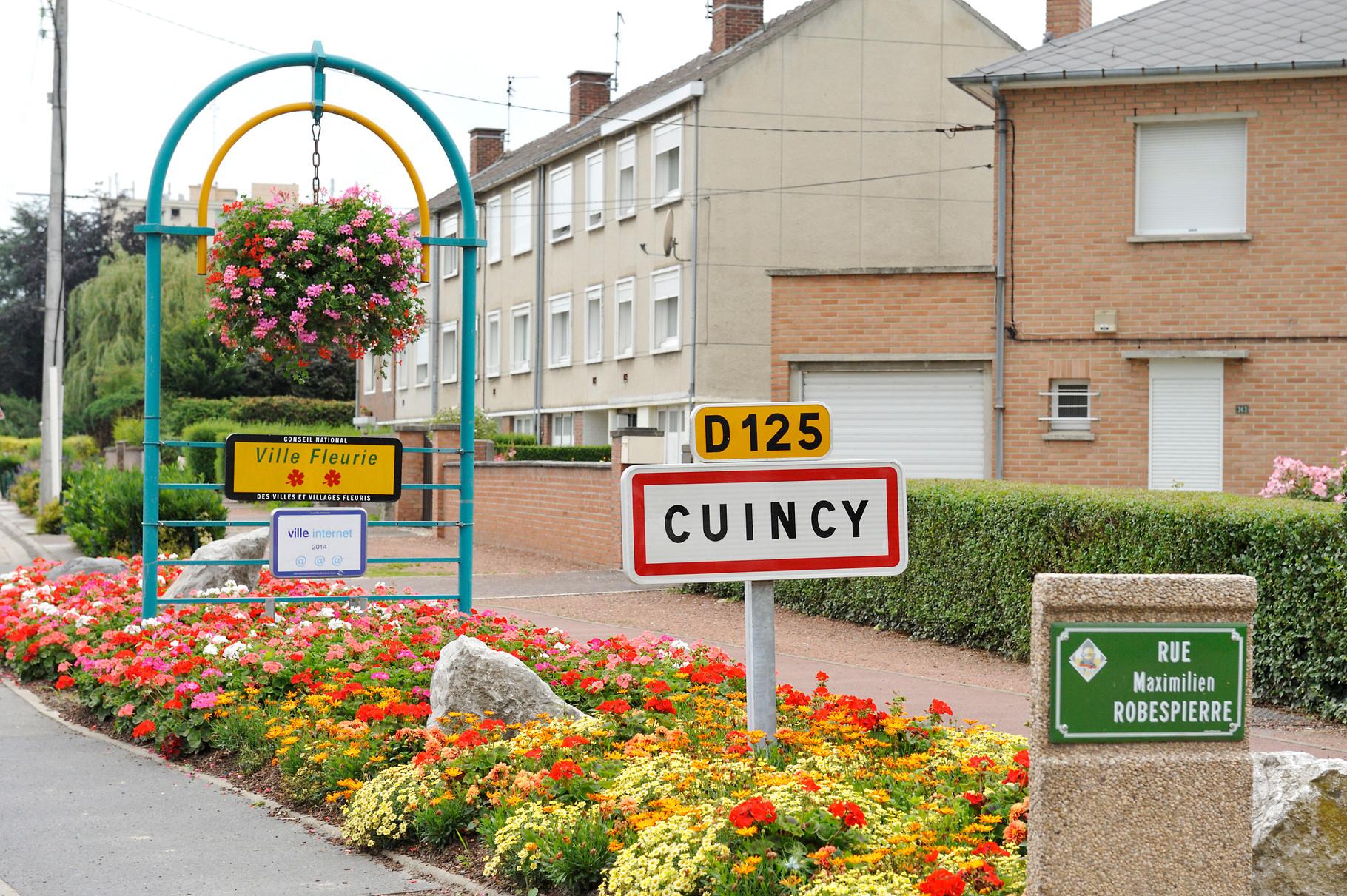 Panneau « Villes et Villages Fleuris » de Cuincy, ville « 2 Fleurs » par Richard Soberka