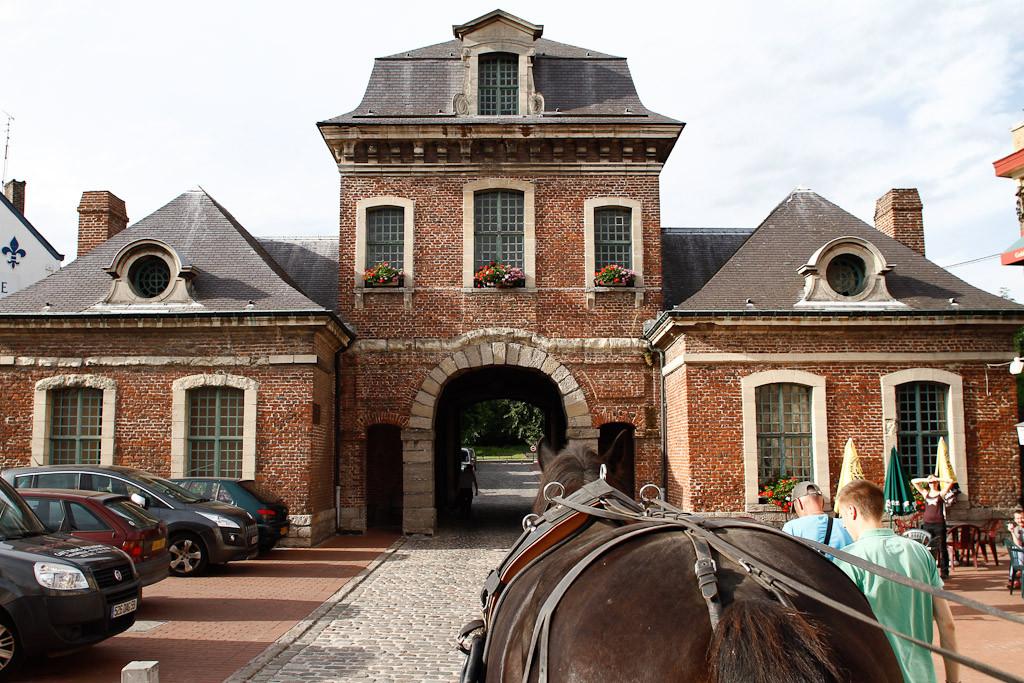 Une des portes d'entrée de la ville - Sophie Mayeux