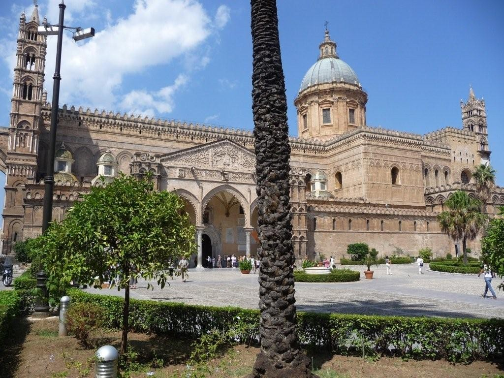 eine der vielen Kirchen in Palermo