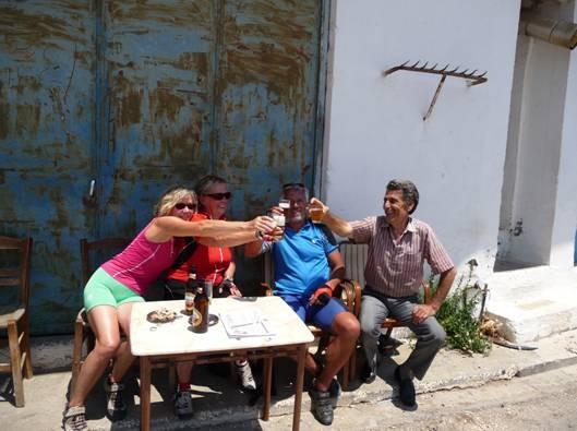 kretische Gastfreundschaft in Voutas