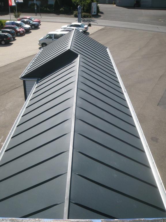 Dacheindeckung Aluminium Stehfalz anthrazit stucco