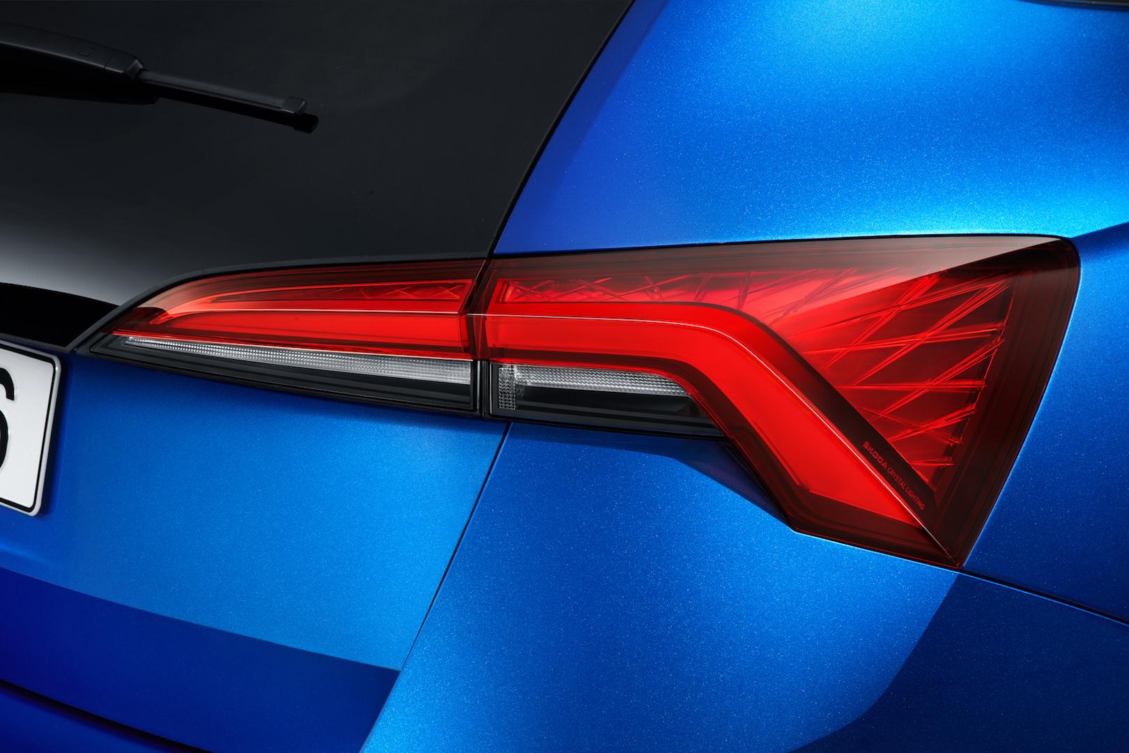 Als erstes Škoda-Modell verfügt der neue Kompakte über den dynamischen Blinker hinten.