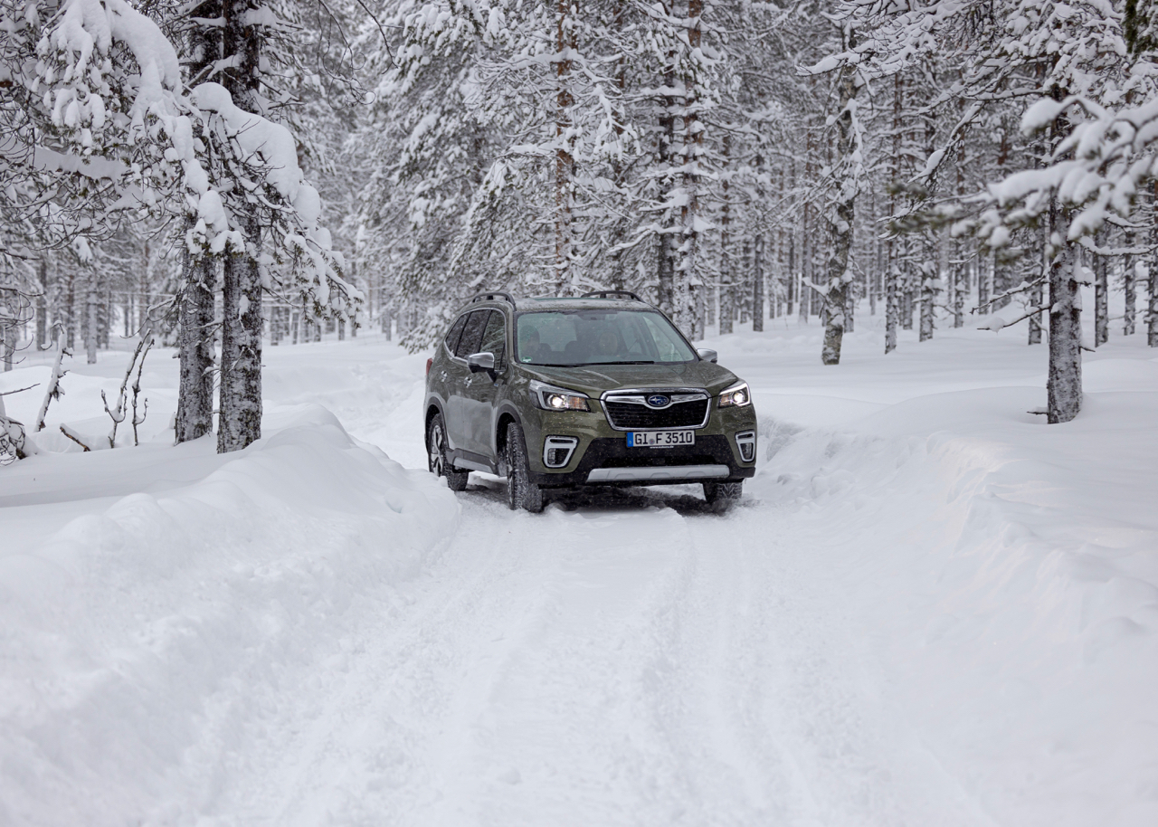 Gilt für alle Subarus, nicht nur für das Mildhybrid-Modell Forester e-Boxer: Wintertauglich dank symmetrischem Allradantrieb.